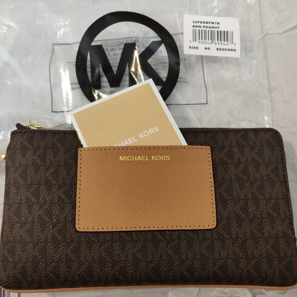ab0f409e6599 Michael Kors Bedford Signature Large Double Zip Wr
